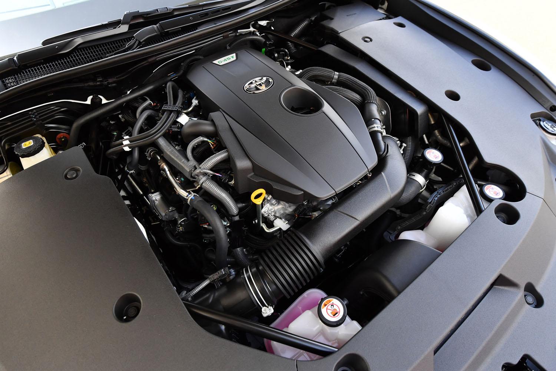 優れた燃費性能と豊かなトルク特性をセリングポイントとする2リッター直4ターボエンジン。14代目「クラウン」と同じものが採用されている。