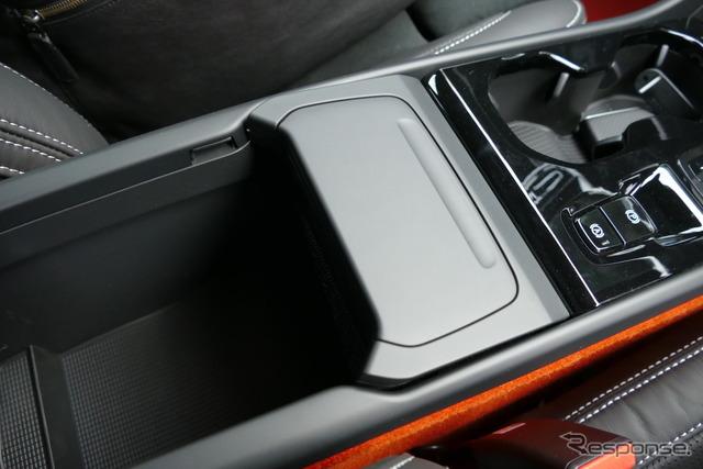 ボルボ XC40 T5 AWD R-DESIGN 1st Edition