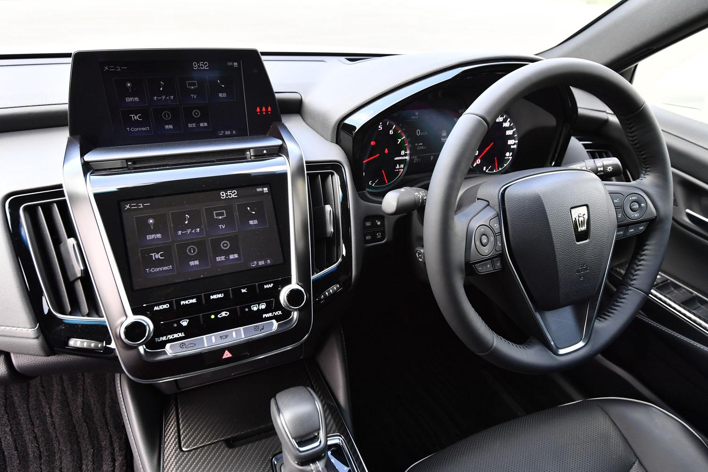 車載通信機(DCM)を使って、運転に役立つさまざまな情報を必要な時に得られるのも、新型「クラウン」ならではの機能となっている。