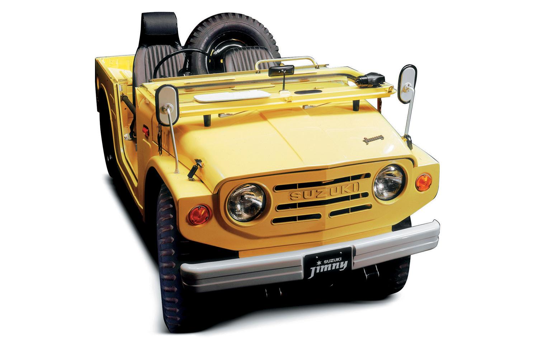 1970年に登場した初代「ジムニー」。軽自動車初の本格4WD車としてデビューし、1981年まで11年にわたり販売された。
