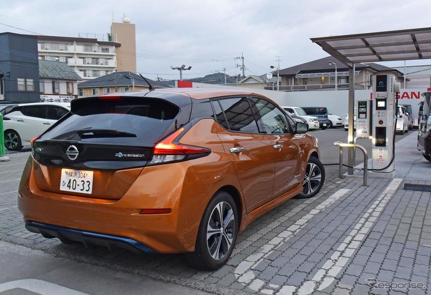 日産リーフ。福岡・飯塚で充電中。