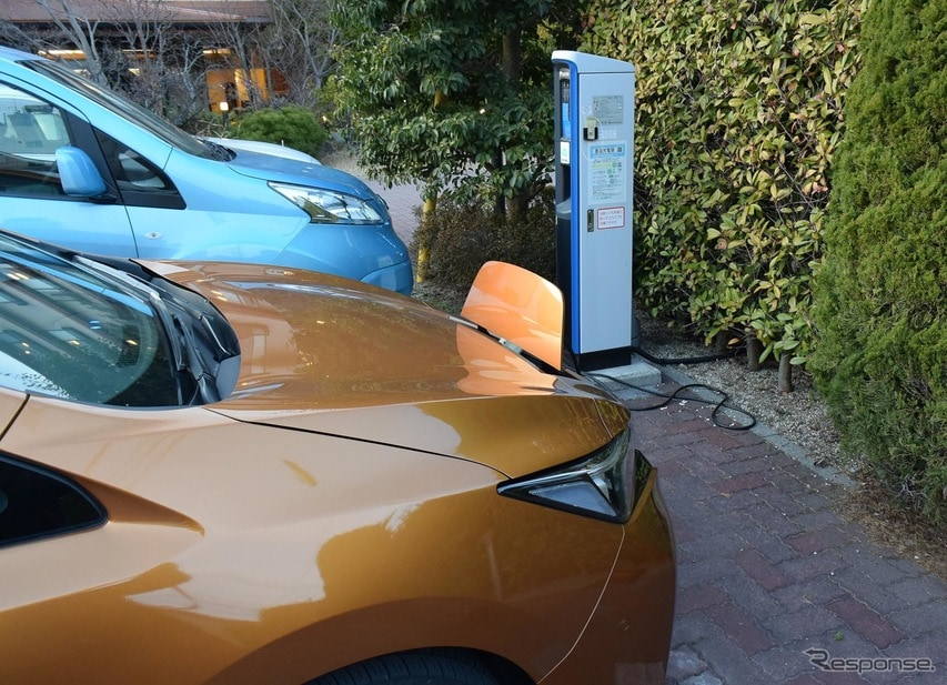 山口・湯田温泉で旅行中唯一の普通充電をやってみた。4時間あまりで充電率は3割ほど回復。のんびりしているときには結構使えそうな気がした。