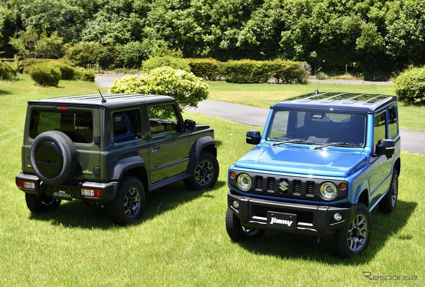 スズキ ジムニー 新型(右)とジムニーシエラ 新型(左)。