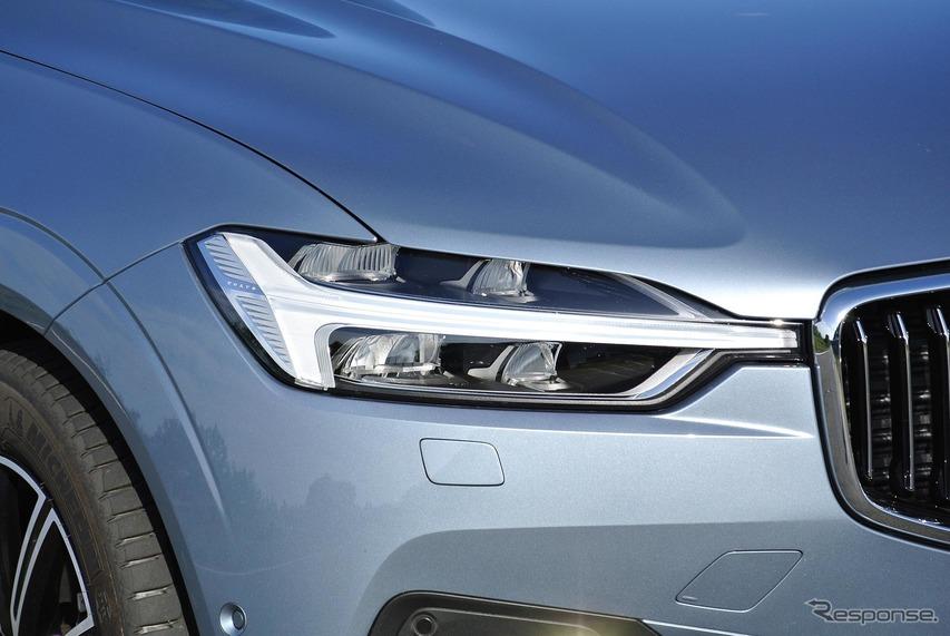 ヘッドランプは先行車や対向車を避けて照射するアクティブハイビームだ。