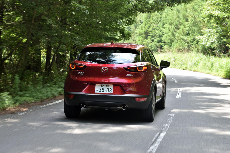 今回の試乗では、高速道路を中心に340kmほどの道のりを走行。燃費は満タン法で15.9km/リッター、車載の燃費計で15.7km/リッターを記録した。