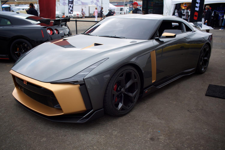 日産とイタルデザインとのコラボレーションによって生まれた「日産GT-R50 by Italdesign」。英チチェスターで催された自動車イベント「グッドウッド・フェスティバル・オブ・スピード」での世界初公開に続き、米ペブルビーチで催された「モントレー・カーウイーク」にも姿を現した。