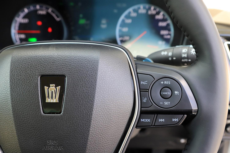 180km/hまで速度設定が可能な、前走車追従機能付きクルーズコントロールが標準装備される。
