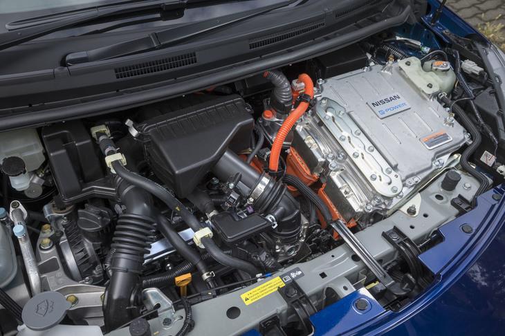 発電用エンジンとモーターからなるパワーユニットのスペックは、ノーマルの「日産ノートe-POWER」と変わらない。