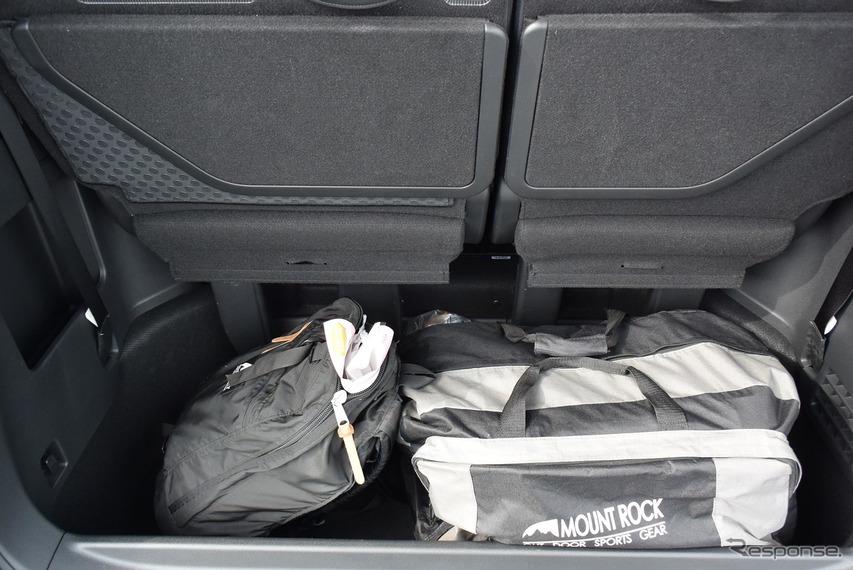 3列目までをフルに使うときの荷室はライバルと比べてもやや狭い。