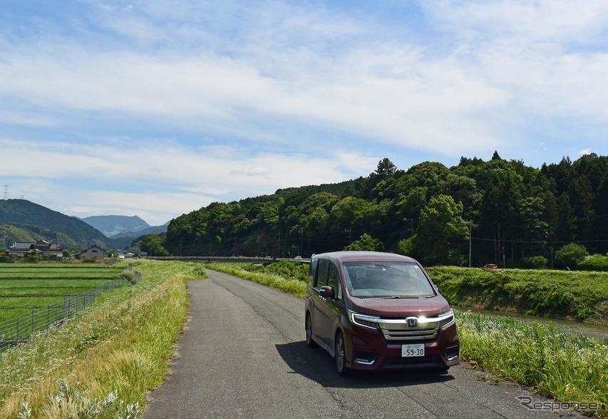 ステップワゴン スパーダ ハイブリッドG・EX ホンダセンシング。福岡・田川にて。
