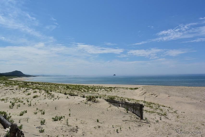 梅雨の晴れ間の鳥取砂丘。