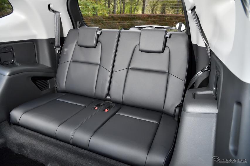 ホンダ 新型CR-V 直噴ターボモデル(Honda CR-V) 3列目シート