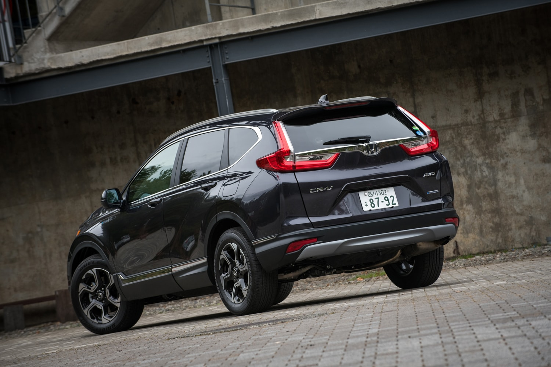 新型のデビューにより、2年ぶりに国内市場に復活した「ホンダCR-V」。まずは2018年8月31日にガソリン車が、同年11月1日にハイブリッド車が発売された。