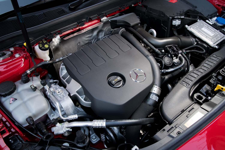 ルノーと共同開発された「M282」型1.3リッターエンジン。デルタ形状(三角形)のシリンダーヘッドを採用することで、軽量化とフットプリント低減を実現している。