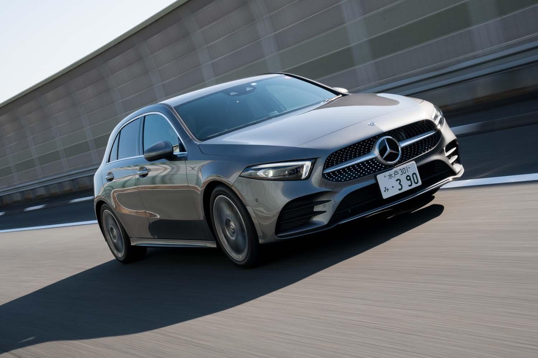 同じ「A180スタイル」ながら、オプションの「AMGライン」(25万5000円)装着車に乗り換える。18インチタイヤを履くこちらのほうが、乗り心地はいくぶん良く感じられた。