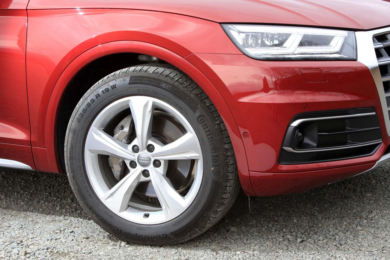 テスト車にはオプションの19インチタイヤが装着されていた(標準は18インチ)。タイヤ銘柄はコンチネンタルの「コンチスポーツコンタクト5」。
