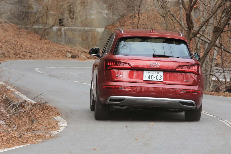 「Q5」の4WDシステムは、低負荷時にはリアアクスルを切り離してFF走行することで燃費向上に寄与する。