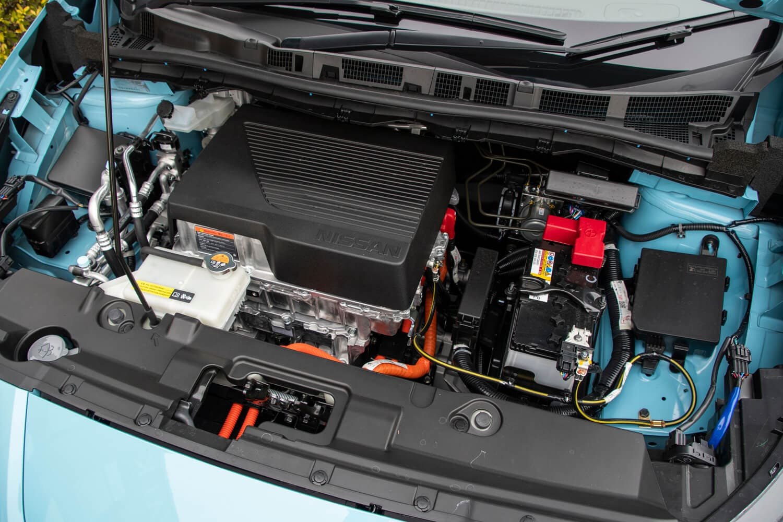 最高出力218ps/最大トルク340Nmを発生するパワーユニット。標準車と比べ、それぞれ68psと20Nmアップしている。