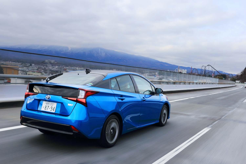 プリクラッシュセーフティーやレーダークルーズコントロールなどからなる衝突回避支援パッケージ「Toyota Safety Sense」が全車に標準装備とされている。