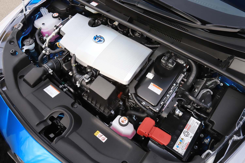 1.8リッター直4エンジンにモーターを組み合わせたハイブリッドユニットのスペックは従来どおり。システム最高出力122psを発生する。