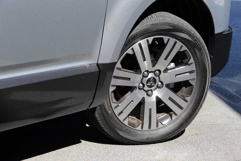 タイヤサイズは215/70R16と225/55R18を仕様に応じて設定。今回のテスト車はいずれも225/55R18で、ヨコハマのSUV用タイヤを装着していた。