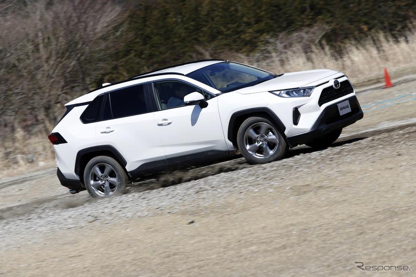 トヨタRAV4新型試乗