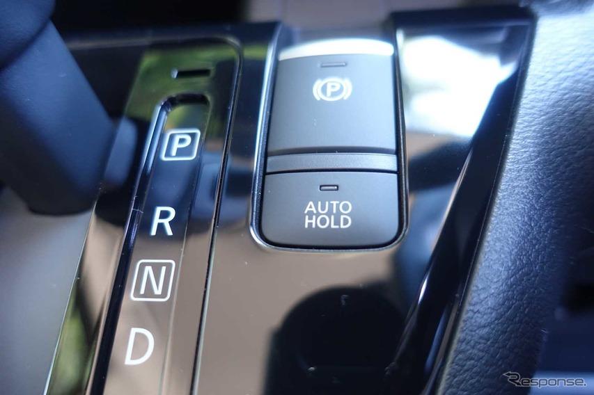 三菱 ekクロス(ターボ 4WD)
