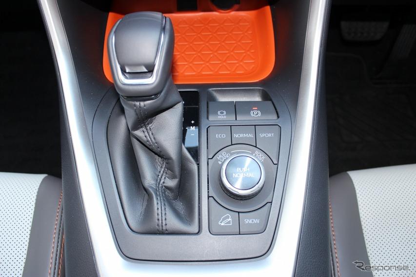 トヨタ RAV4 新型(アドベンチャー)