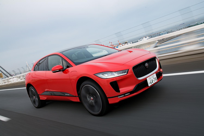 「Iペース」には、走行状態に応じて擬似的なエンジン音を車内にひびかせる機能「アクティブ・サウンド・デザイン」が採用されている。