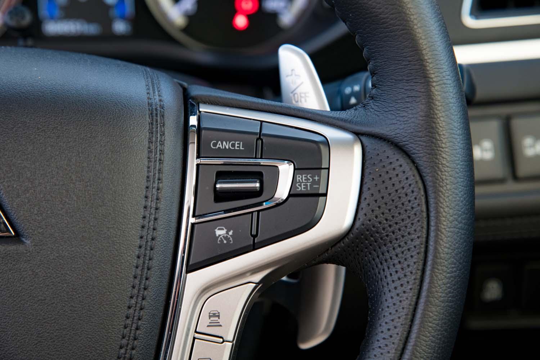 アダプティブクルーズコントロール(ACC)をはじめとした先進安全装備パッケージ「e-Assist」が全車に標準装備となった。