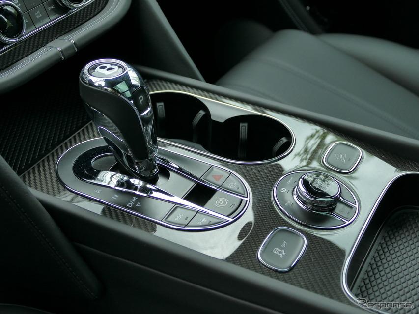 ベントレー ベンテイガ V8