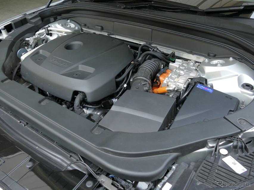 ボルボ XC60 T8 TWIN ENGINE AWD INSCRIPTION