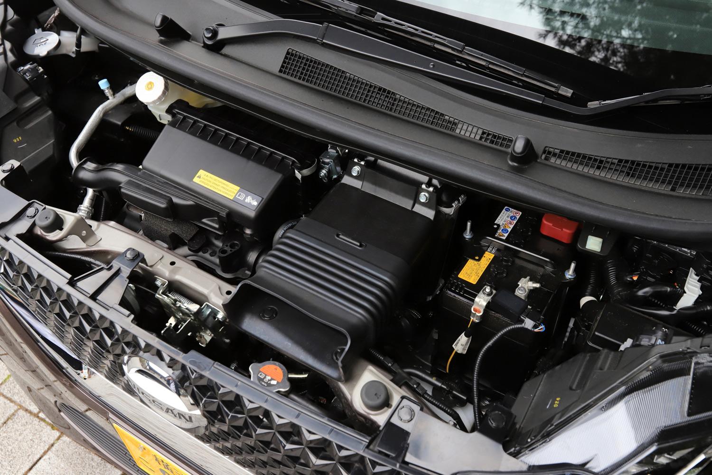 「ハイウェイスターGターボ」では最高出力64ps、最大トルク100Nmを発生する0.66リッター直3ターボエンジンに、2kWの出力を持つマイルドハイブリッドシステムが組み合わされている。