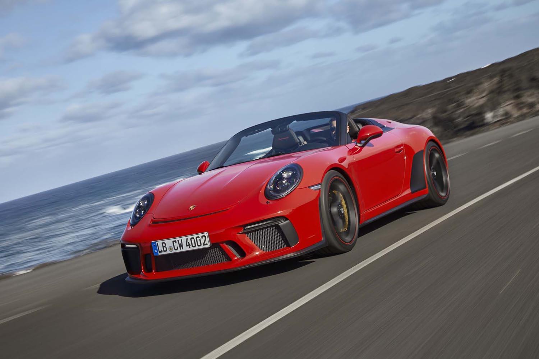 「911スピードスター」が0-100km/h加速に要する時間は4.0秒。最高速度は310km/hと公表される。