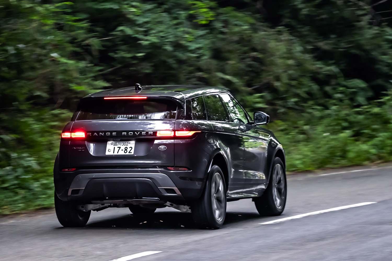 「P300 MHEV」では、車両の走行状況に応じて前後輪のトルク配分を自動調整する4WDシステム「アクティブドライブライン」を搭載。通常は前後50:50のトルク配分で走行し、状況に応じて100%のトルクを後輪左右いずれか、または前輪のみに配分するという。