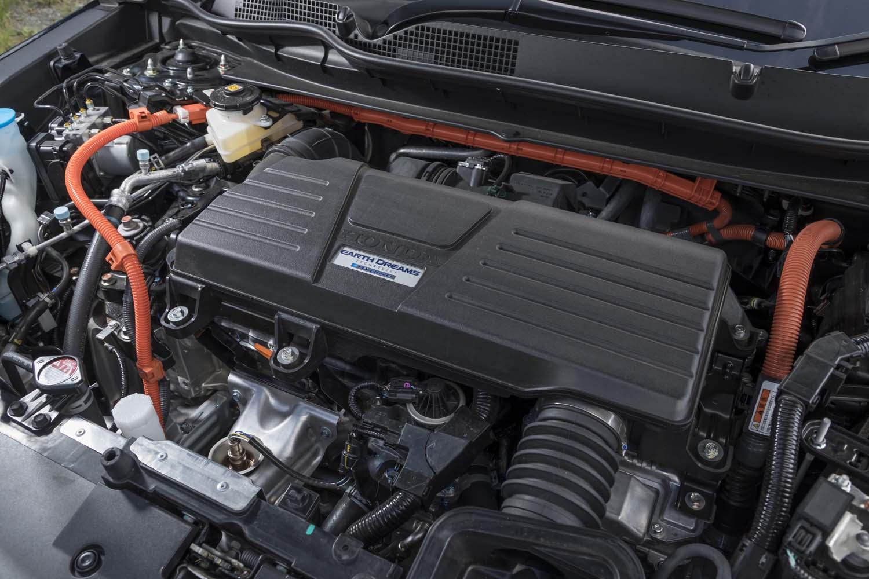 パワーユニットは2リッター直4エンジンに2つのモーターを組み合わせた「スポーツハイブリッドi-MMD」。エンジンが駆動を担当するのは高速巡航時のみで、モータードライブが基本となる。