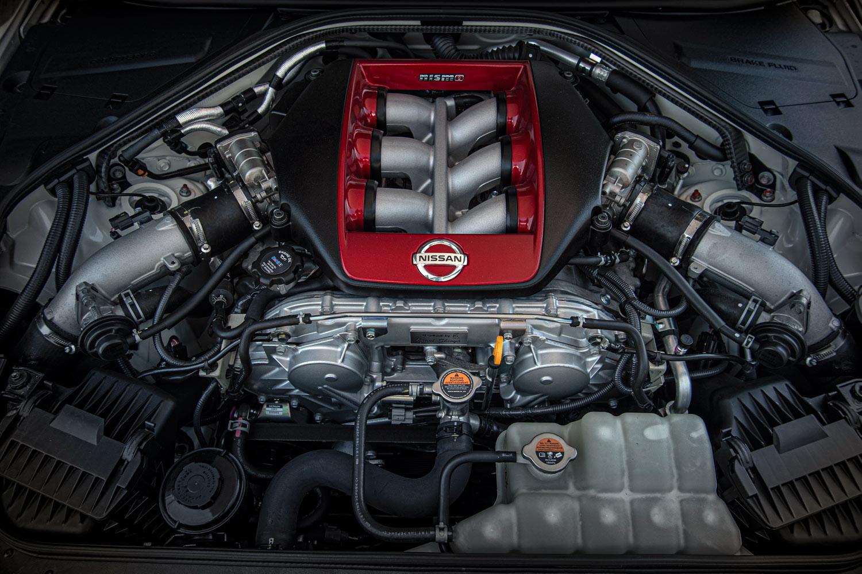 エンジンにはGT3車両の技術を用いた新しいターボチャージャーを採用。ブレードの薄板化(-0.3mm)や枚数の変更(11枚→10枚)、背板の改良などにより、レスポンスを大幅に向上させた。