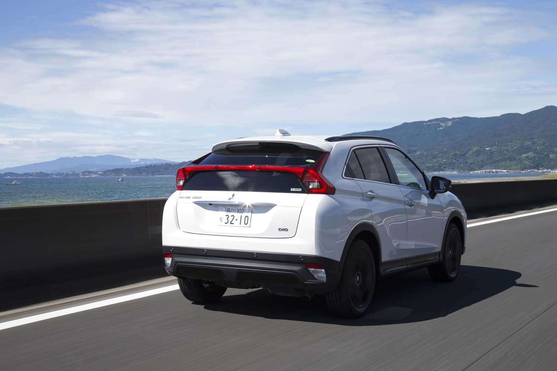 今回は、高速道路を中心に約570kmを試乗。燃費は満タン法で12.4km/リッター、車載の燃費計で12.5km/リッターを記録した。燃料タンクの容量は60リッター。