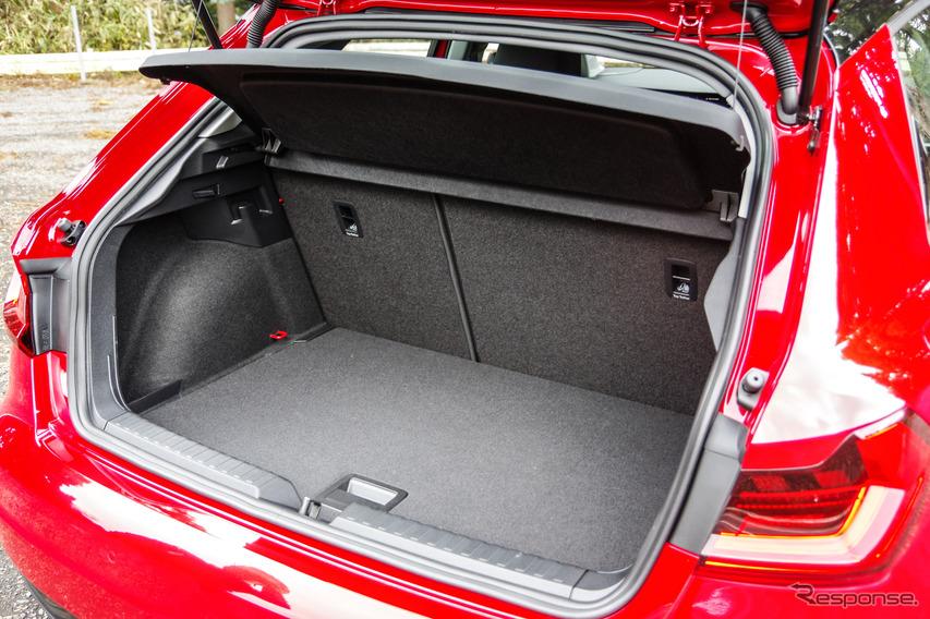 アウディ A1スポーツバック 新型(A1 Sportback 35 TFSI advansed)