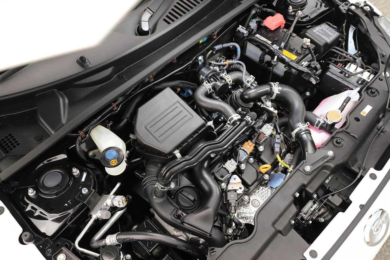 「GRスポーツ」シリーズではパワートレインには手を入れないのが常。「コペンGRスポーツ」でも0.66リッター直3ターボエンジンのスペックやトランスミッションのセッティングは標準車からそのまま。