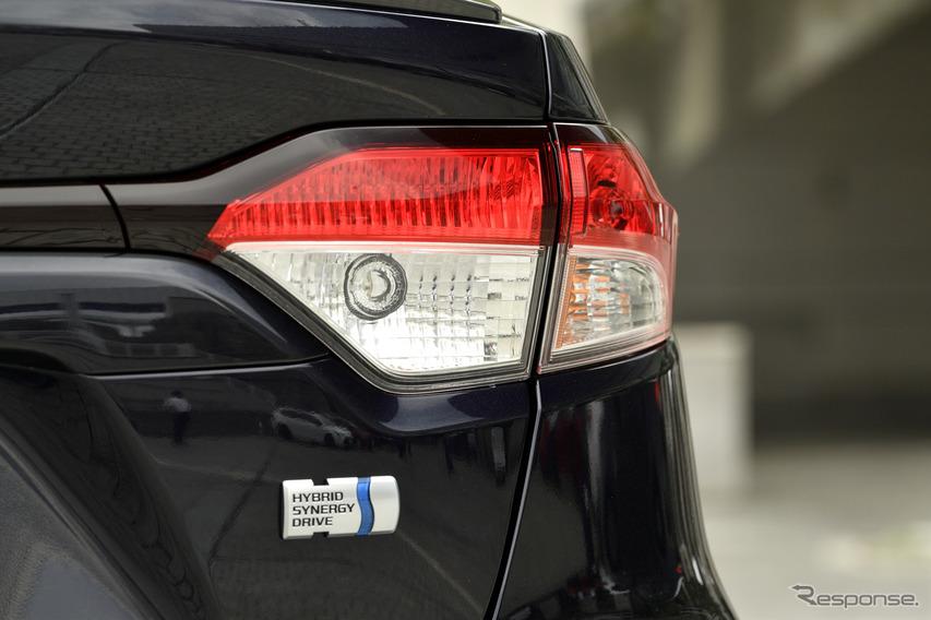トヨタ カローラハイブリッド 新型