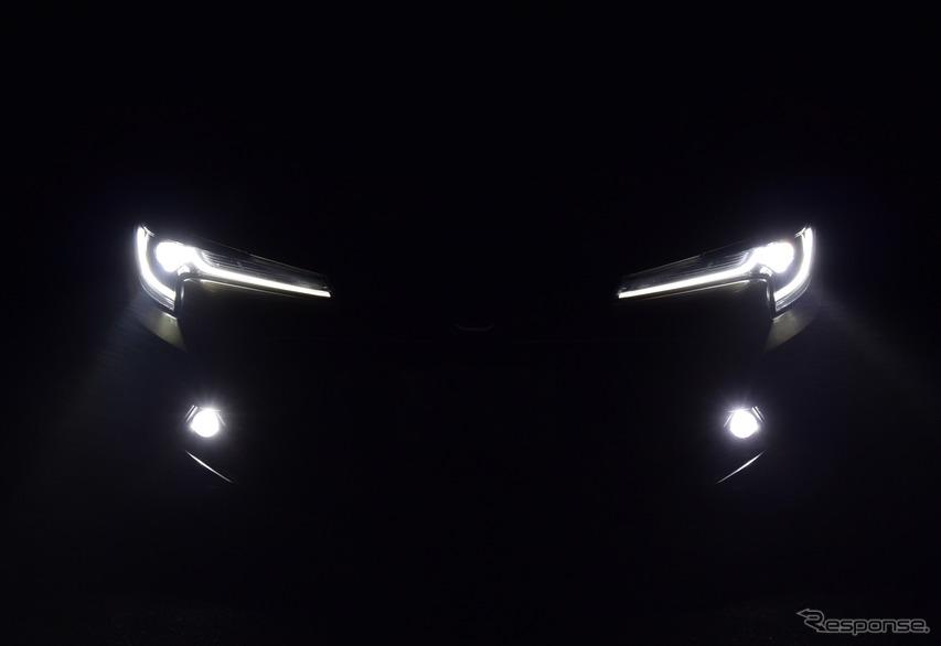 ヘッドランプ点灯時。夜間のほうがより精悍なイメージ。