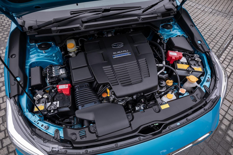 「e-BOXER」と呼ばれるマイルドハイブリッドシステムは、最高出力145PS、最大トルク188N・mのエンジンに、最高出力13.6PS、最大トルク65N・mのモーターが組み合わされる。