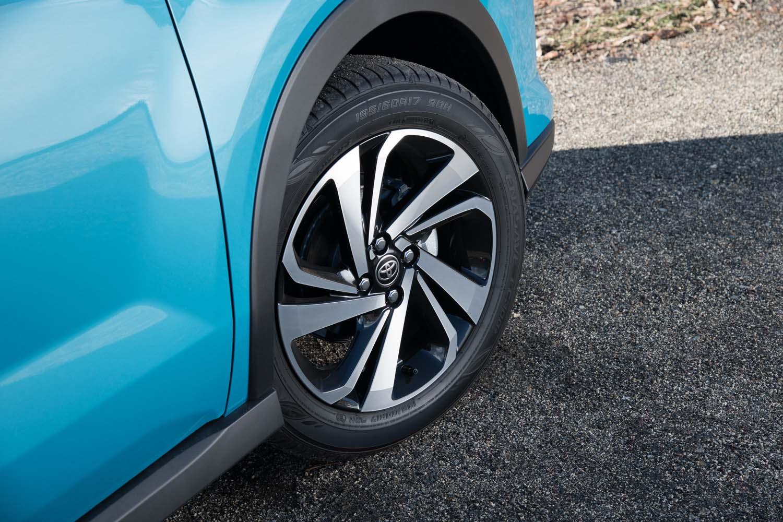 テスト車は最上級グレード「Z」のFF車。専用デザインの17インチタイヤ&ホイールが標準装備となる(他グレードは16インチが標準)。