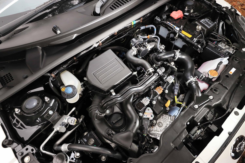KF型0.66リッター直3ターボエンジンは、最高出力64PS、最大トルク92N・mを発生する。