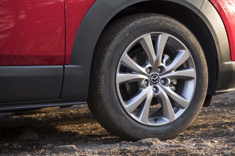 今回のテスト車はタイヤサイズ、銘柄ともすべて標準装着のままだった。