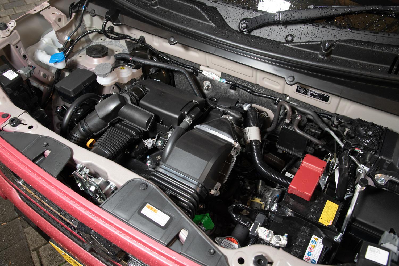 ターボエンジンは従来型と同じR06A型。最高出力は64PS、最大トルクは従来型の95N・mから98N・mに向上している。
