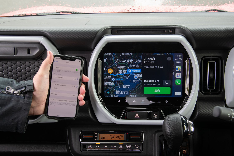 インフォテインメントシステムの進化も新型のポイント。カーナビの自車測位は「みちびき」および「GLONASS」に対応。スマートフォンとの連携機能もWi-Fiによる無線接続が可能となっている。