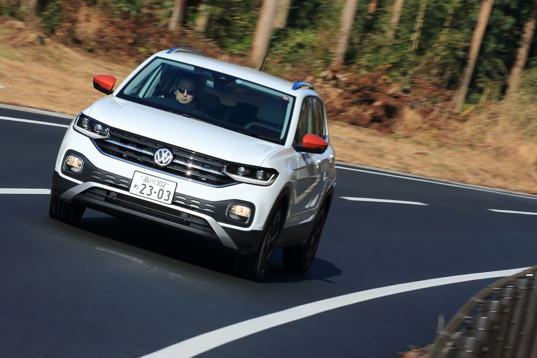 「Tクロス」には4WD車の設定はなく、FF車のみがラインナップされている。フォルクスワーゲングループで広く使用されている「MQB」プラットフォームが採用され、生産はスペインのナバラ工場で行われている。