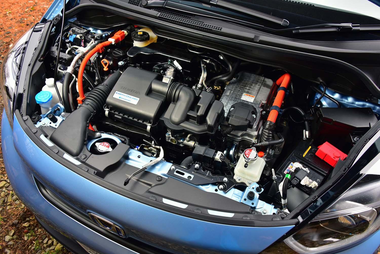 パワートレインは「e:HEV」と名付けられたハイブリッド。発電用と走行用の計2基のモーターと、1.5リッター直4エンジンとで構成されている。